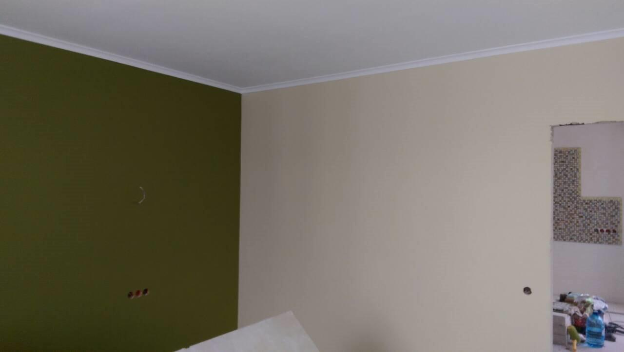 покраска стен разным цветом