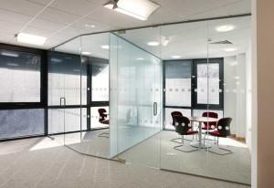 стеклянный офис