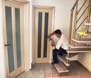 Установщик межкомнтаных дверей